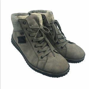 Rieker gray Sherpa lined booties size 42